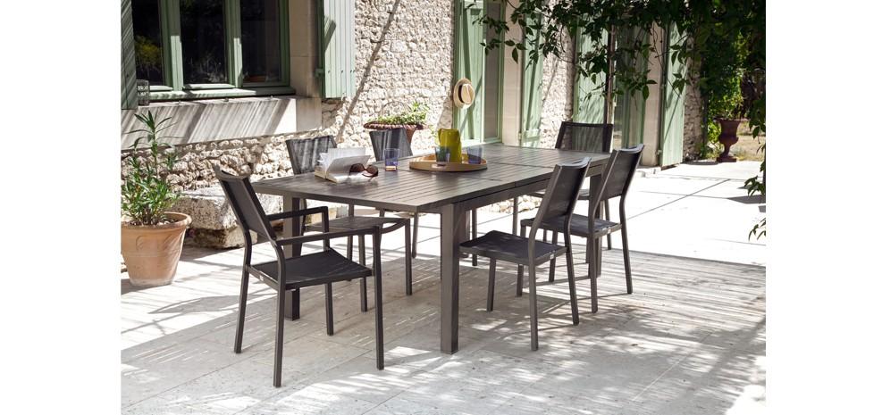 Table de jardin extensible 240 cm Mahana taupe : achetez les tables ...