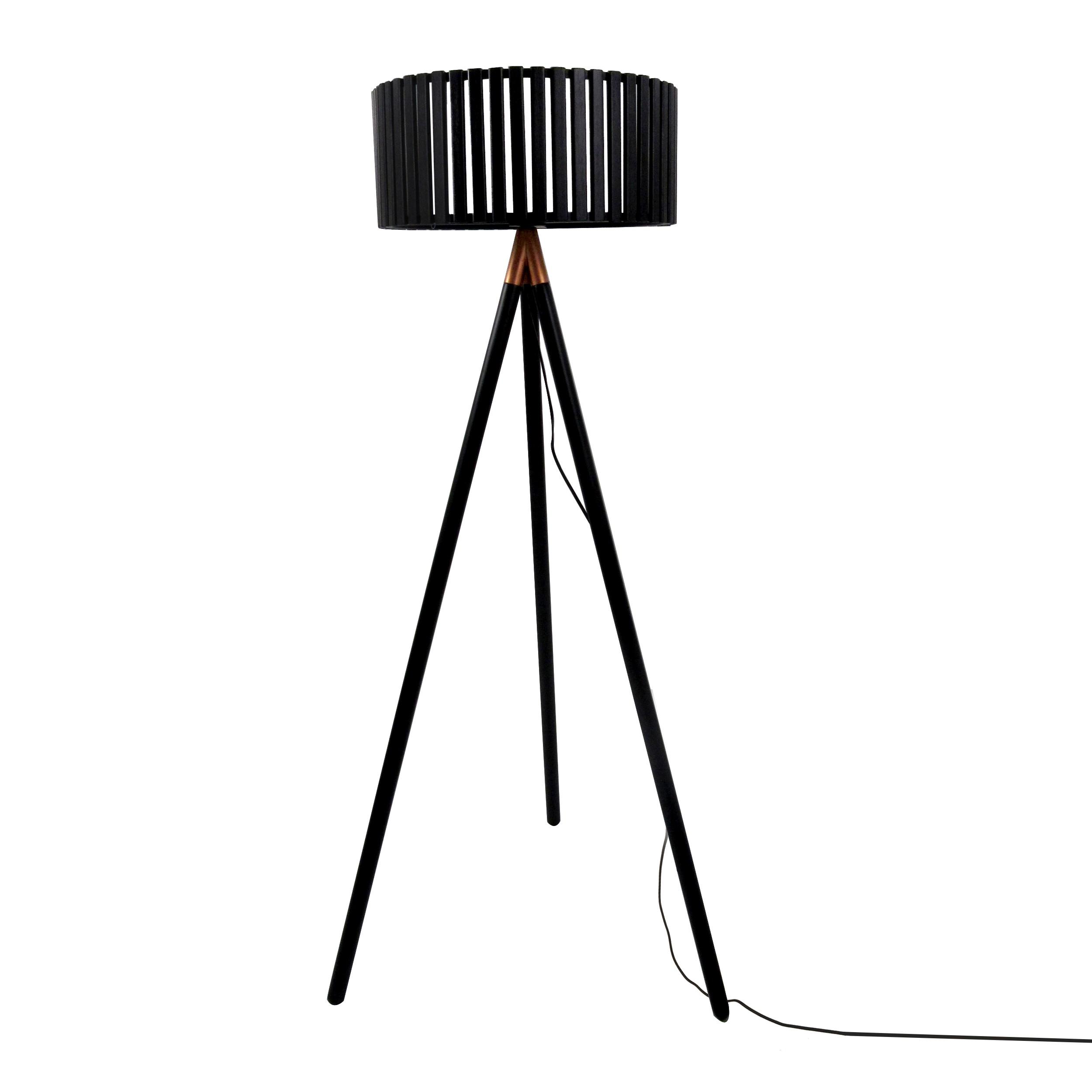 lampadaire tr pied dolga noir achetez nos lampadaires. Black Bedroom Furniture Sets. Home Design Ideas