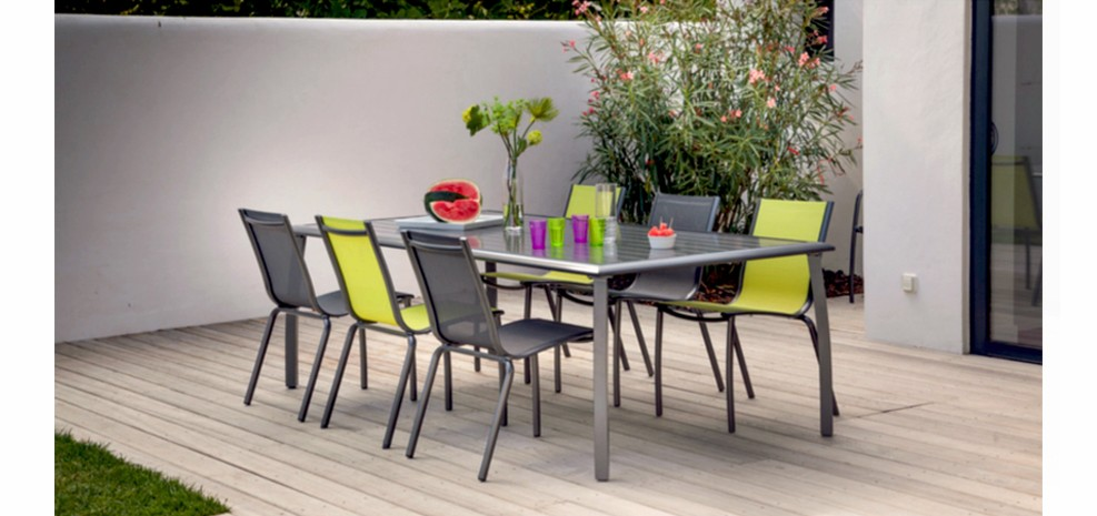 Emejing table de jardin couleur anis contemporary for Salon jardin vert anis