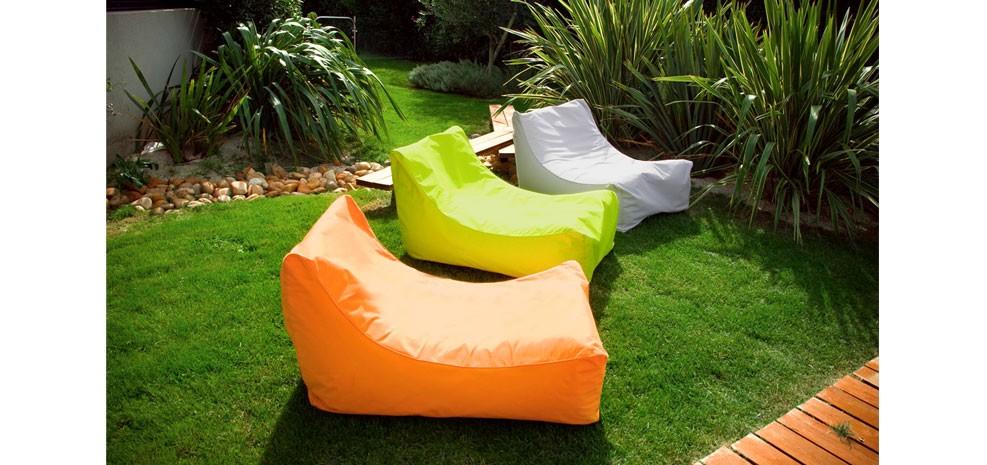 pouf de jardin d couvrez nos poufs de jardin design petit prix rendez vous d co. Black Bedroom Furniture Sets. Home Design Ideas
