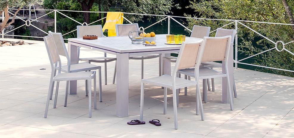 table de jardin carr e 160 cm marbella beige commandez nos tables de jardin carr es 160 cm. Black Bedroom Furniture Sets. Home Design Ideas