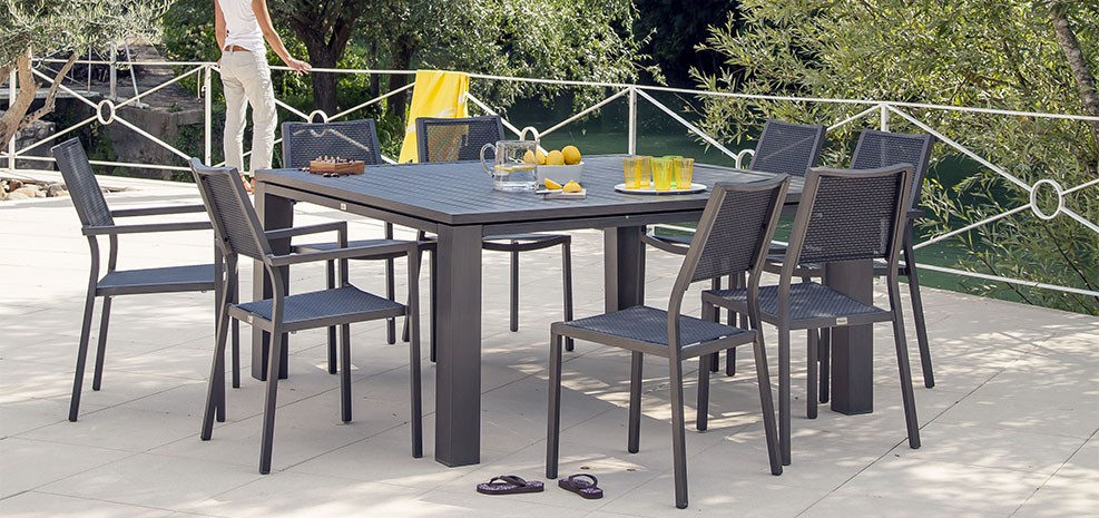 table de jardin carr e 160 cm marbella marron d couvrez nos tables de jardin carr es 160. Black Bedroom Furniture Sets. Home Design Ideas