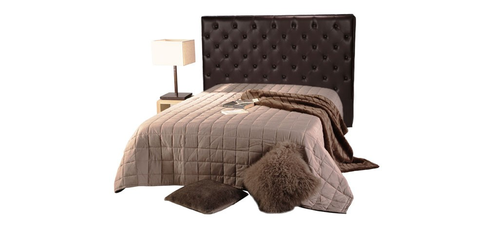 t te de lit chesterfield marron capitonn e pour lit double prix usine rdv d co. Black Bedroom Furniture Sets. Home Design Ideas
