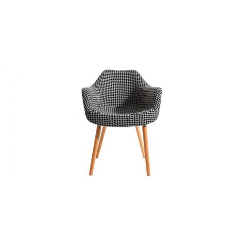 chaise anssen noire et blanche