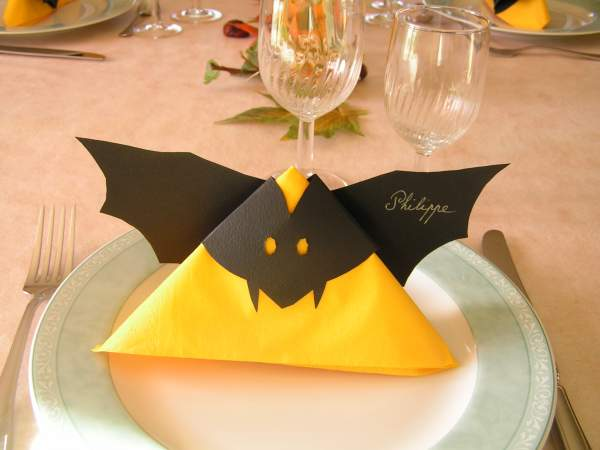 Blog d co halloween soignez votre d coration de table - Decoration de porte halloween ...