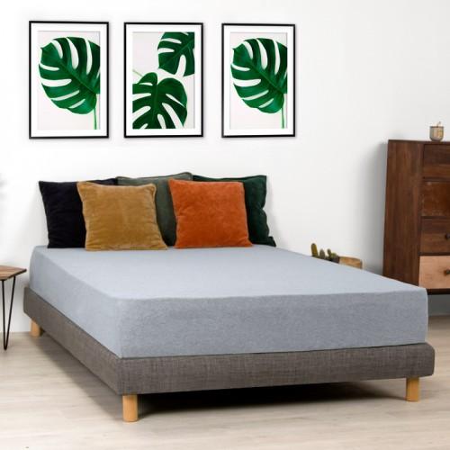 Housse de coussin Lingi en velours vert amande 45x45 cm
