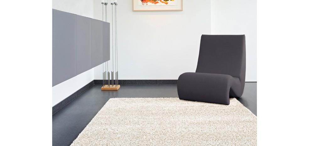 tapis contemporain blanc optez pour nos tapis contemporains blancs design rdvd co. Black Bedroom Furniture Sets. Home Design Ideas