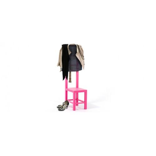 porte v tements rose d couvrez nos porte v tements roses design pas chers rdv d co. Black Bedroom Furniture Sets. Home Design Ideas