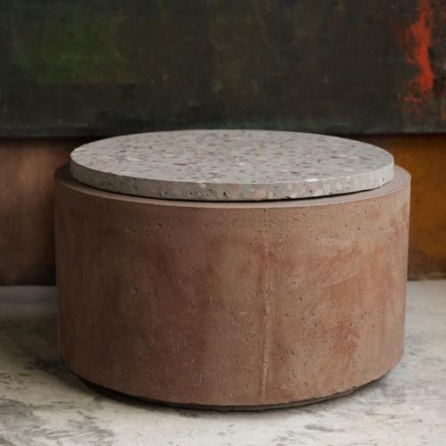 Table d'appoint Poppy en terrazzo/béton ∅ 66 cm